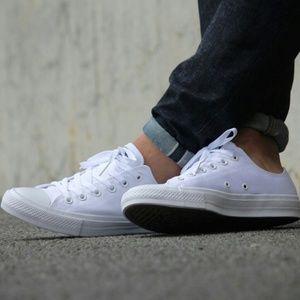 NWT Converse Chuck 2 Low Top Lunarlon Shoes
